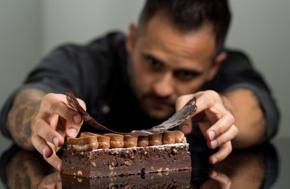 Chef pâtissier Diego Lozano ministra workshop em BC