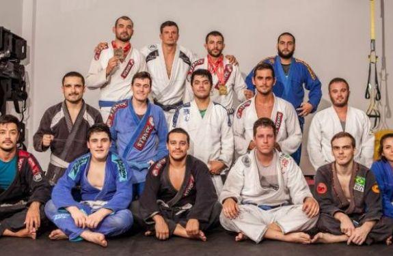 Três atletas de Navegantes representam a região no Campeonato Brasileiro de Jiu-Jitsu