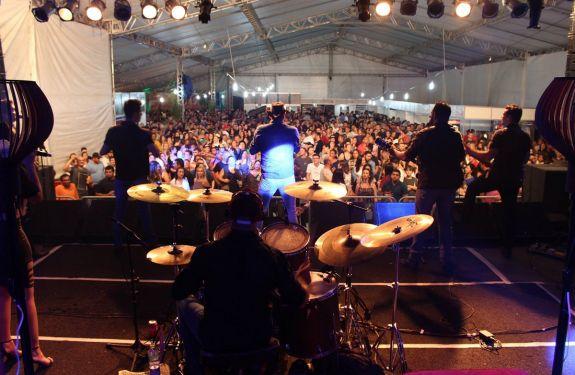 5º Festival do Camarão de Porto Belo terá shows nacionais gratuitos