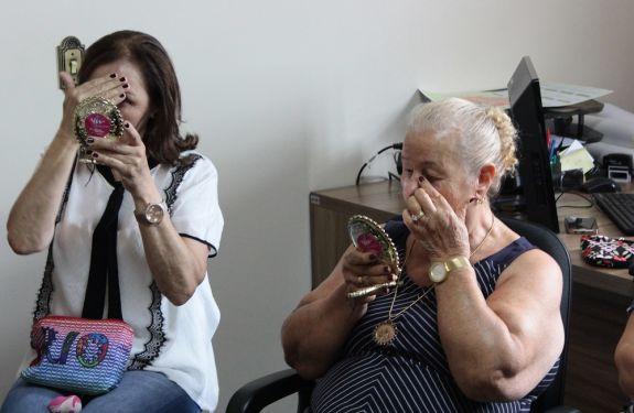 Abertas inscrições para curso de automaquiagem para idosos na Barra