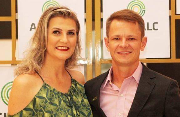 Acibalc empossa nova diretoria sob comando da empresária Maria Pissaia em noite marcada pela emoção
