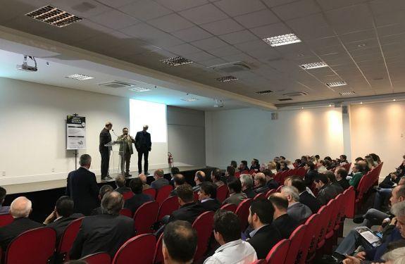 ACII participa de audiência com parlamentares catarinenses em Blumenau