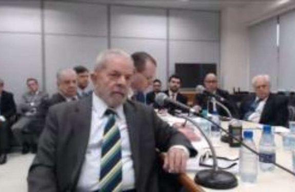 Agendas da Petrobras contradizem depoimento de Lula a Moro