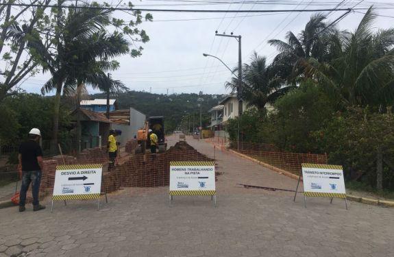 Águas de Bombinhas inicia mais uma obra de reforço de rede
