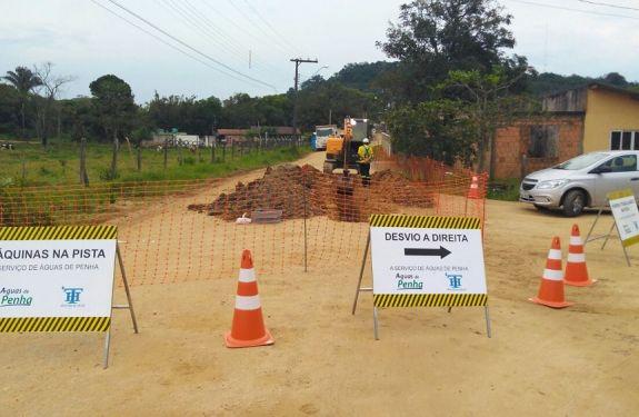 Águas de Penha constrói adutora em Bairro do município