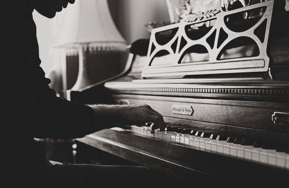 Alunos do Conservatório de Música realizam recital de violão e piano