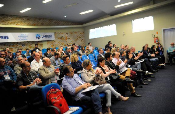 Anfitriã, Brusque é destaque no II Fórum de Cidades Digitais