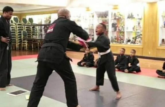 Artes marciais ajudam crianças a lidar com sentimentos