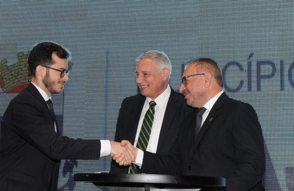 Assinatura do financiamento internacional garante mais de R$ 250 milhões para Itajaí