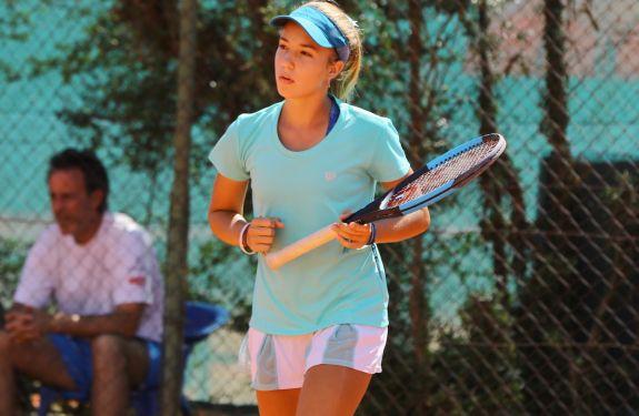 Atleta catarinense está classificada para o Mundial de tênis