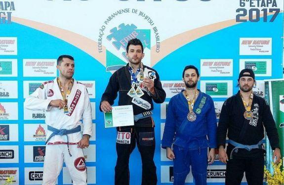 Atletas de ITJ são destaque no Circuito Paranaense de Jiu Jitsu