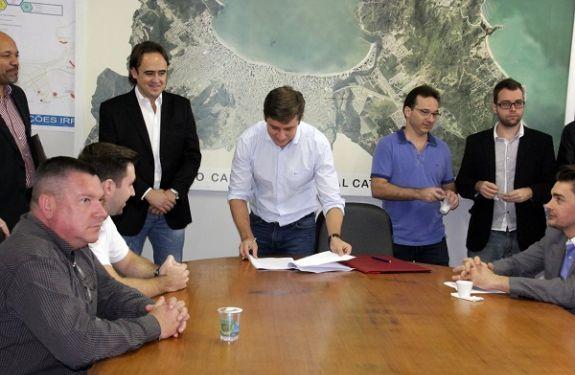 Atos importantes foram assinados pelo prefeito de Balneário Camboriú nesta sexta-feira