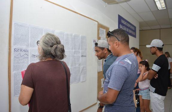 Balcão de Empregos inicia a semana com 374 vagas