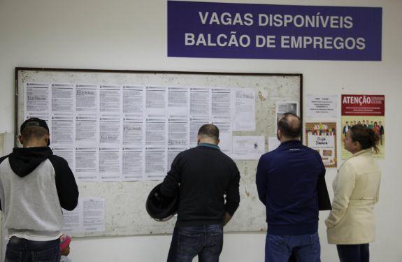 Balcão de Empregos oferece 133 vagas essa semana em ITJ