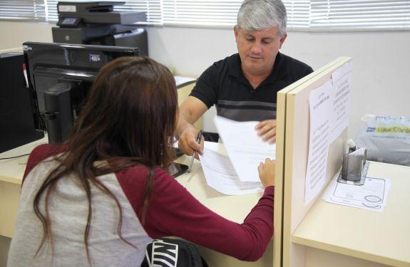 Balcão de Empregos oferece 145 vagas essa semana em Itajaí