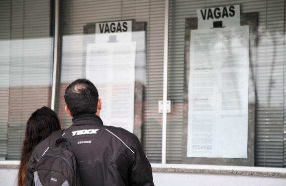Balcão de Empregos oferece 155 vagas essa semana em Itajaí