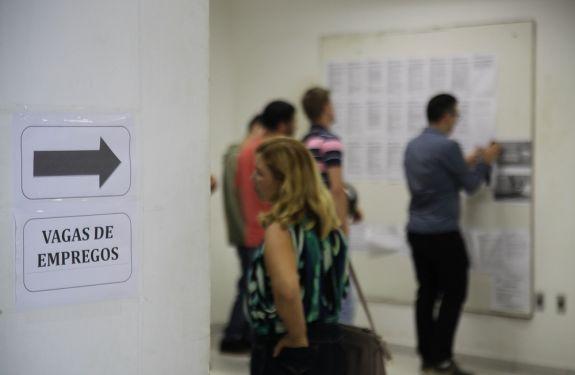 Balcão de Empregos oferece 157 vagas essa semana em Itajaí