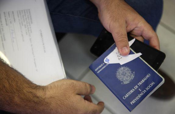 Balcão de Empregos oferece 165 vagas essa semana em Itajaí