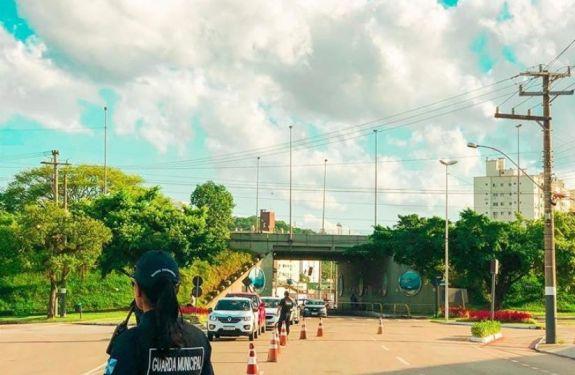 Balneário Camboriú reforça medidas preventivas para fiscalizar turistas vindos de São Paulo