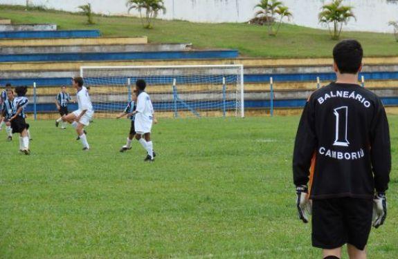 Balneário Camboriú se prepara para competição regional de futebol
