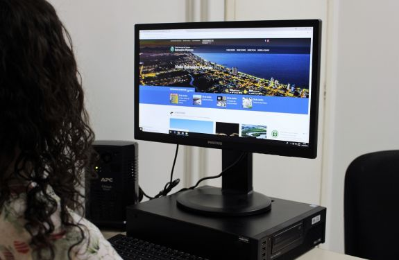 Piçarras é município-piloto do novo Portal de Turismo da Fecam