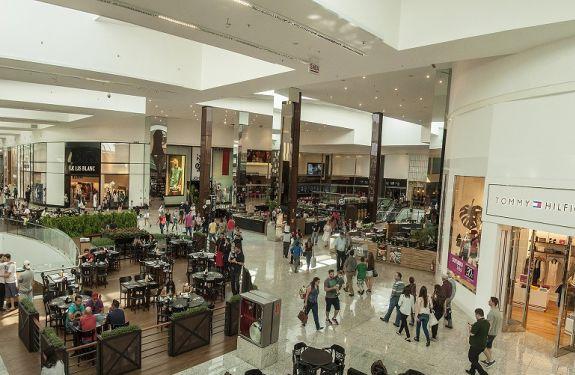Balneário Shopping abre 350 vagas de emprego para o verão
