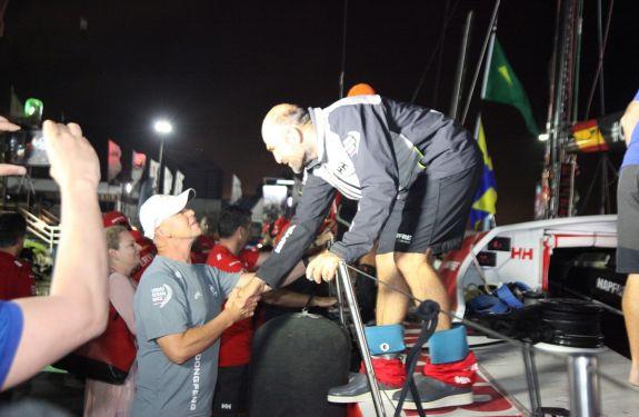 Barco espanhol chega em quinto na Volvo Ocean Race Itajaí