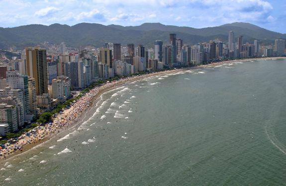 BC assina termo de adesão para assumir gestão de praias