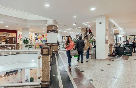 BC: Atlântico Shopping está ofertando 400 vagas de emprego