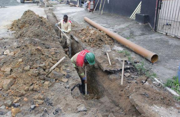 BC: Bairro das Nações está recebendo obras da rede coletora de esgoto