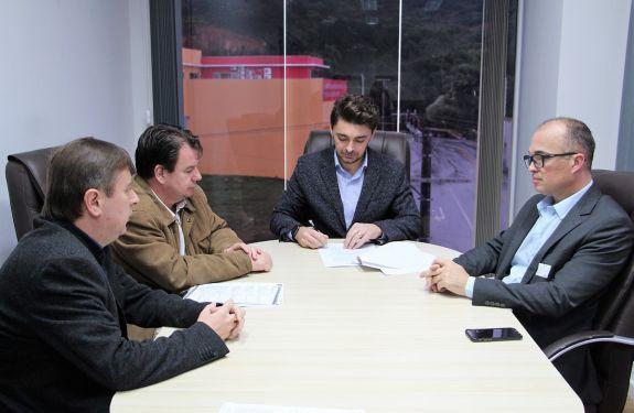 BC: Câmara firma convênio com Univali para desconto em cursos