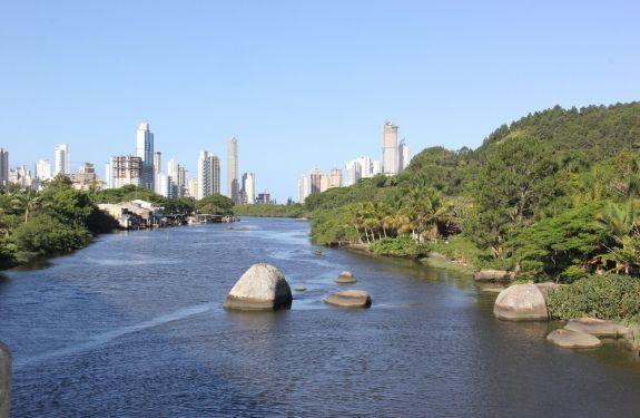 BC e Camboriú assinam documento para criação de Parque Inundável