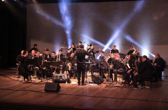 BC: Itajaí Big Band apresenta concerto em homenagem aos Beatles