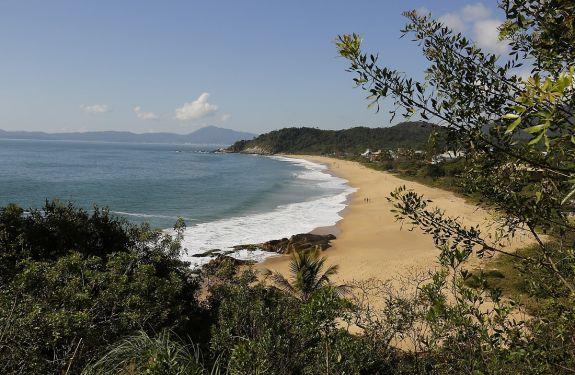BC: Praias do Estaleiro e Estaleirinho são aprovadas no Programa Bandeira Azul
