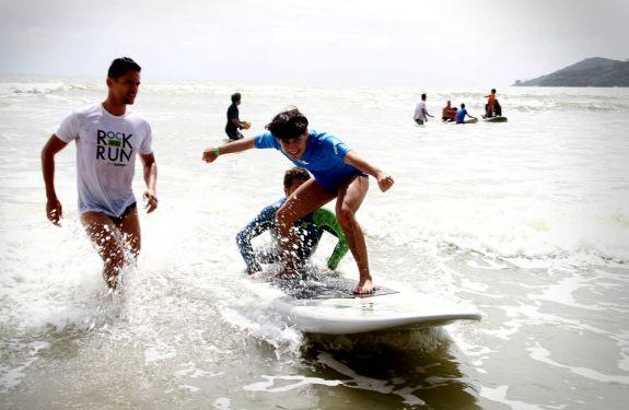 BC recebe 3º Festival de Surf para Autistas neste sábado