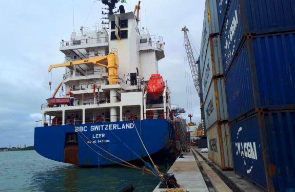 Berço 3 do Porto de Itajaí registra primeira atracação após obras