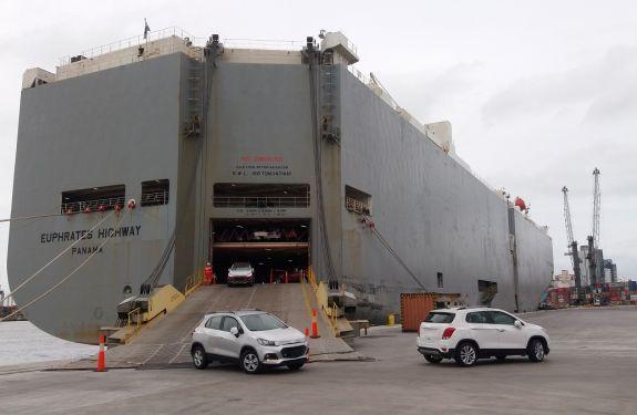 Berço público impulsiona importações no Porto de Itajaí