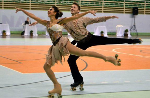 Brusque recebe competição nacional de patinação artística