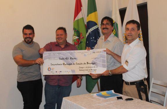 Brusque: Saúde recebe R$ 7 mil do Rotary Club