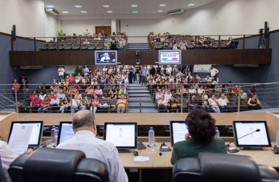 Câmara aprova pedido de urgência para votação sobre IPTU
