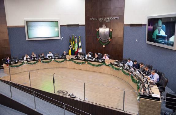 Câmara de Itajaí aprova orçamento de 2018 em última sessão do ano