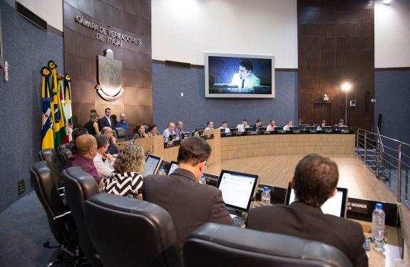 Câmara de Itajaí define condutas vedadas a servidores no período eleitoral