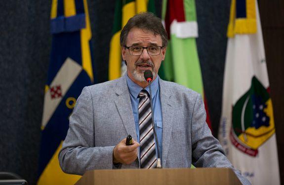 Câmara de Itajaí recebe palesta com urologista