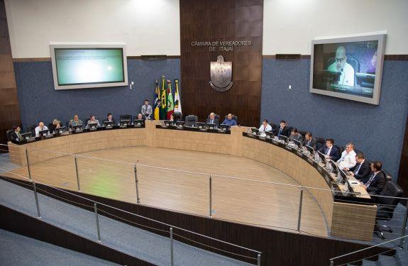 Câmara de ITJ aprova três projetos e 14 requerimentos