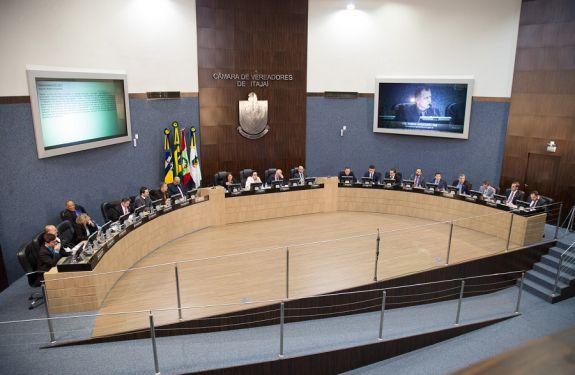Câmara de ITJ encerra primeiro período legislativo