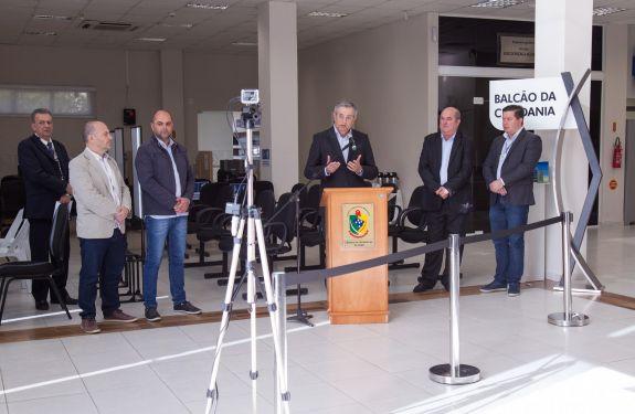 Câmara de ITJ inaugura cadastramento biométrico