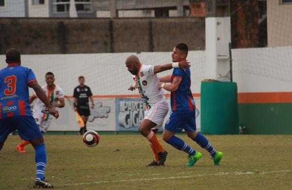 Camboriú FC perde em casa para Marcílio Dias
