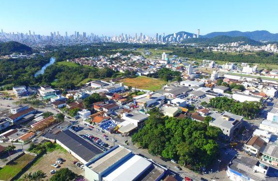 Camboriú: Prefeito mantém decreto de novos loteamentos