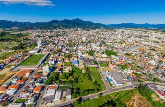 Camboriú: Prefeito sanciona leis complementares do Plano Diretor
