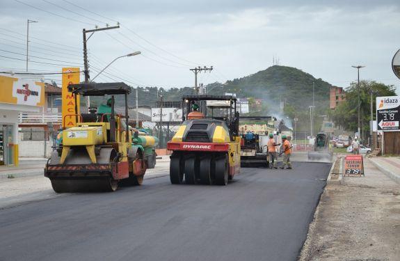 Camboriú: Primeiro trecho da Avenida Santa Catarina começa a ser asfaltado